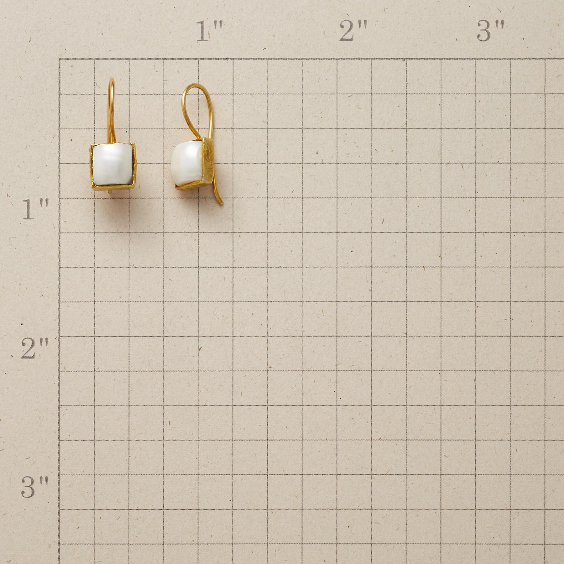 PEARL SQUARED EARRINGS: View 2