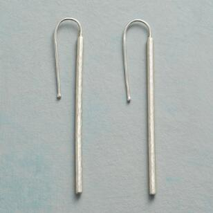 MODERN LINE EARRINGS