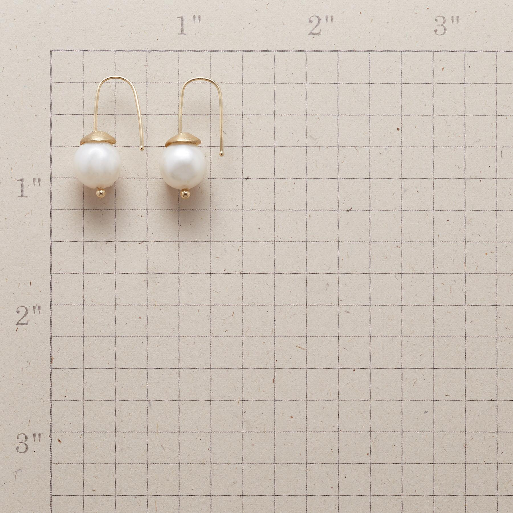 WOODLAND PEARL EARRINGS: View 2