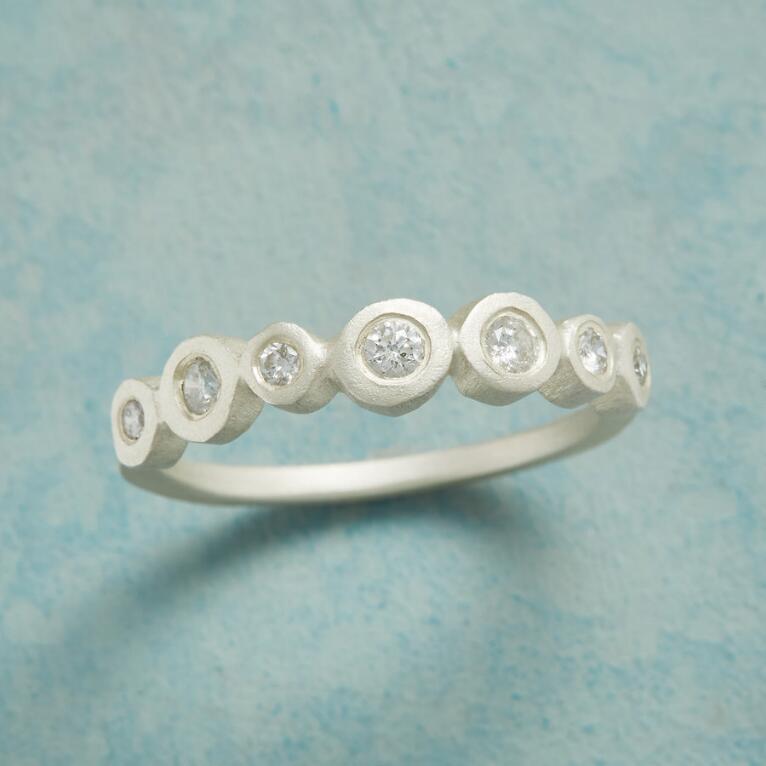 SEVEN SPARKLERS DIAMOND RING