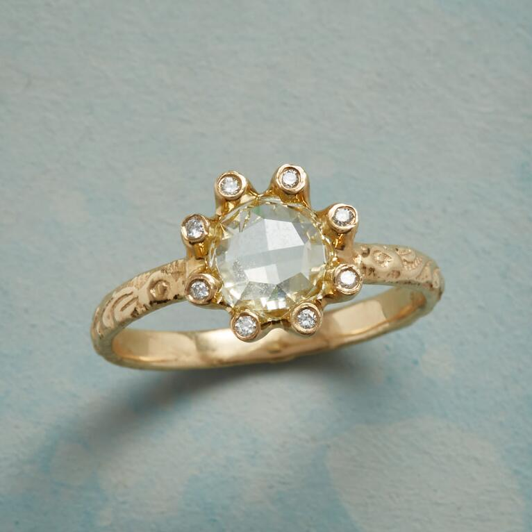 BLOSSOMING DIAMOND RING