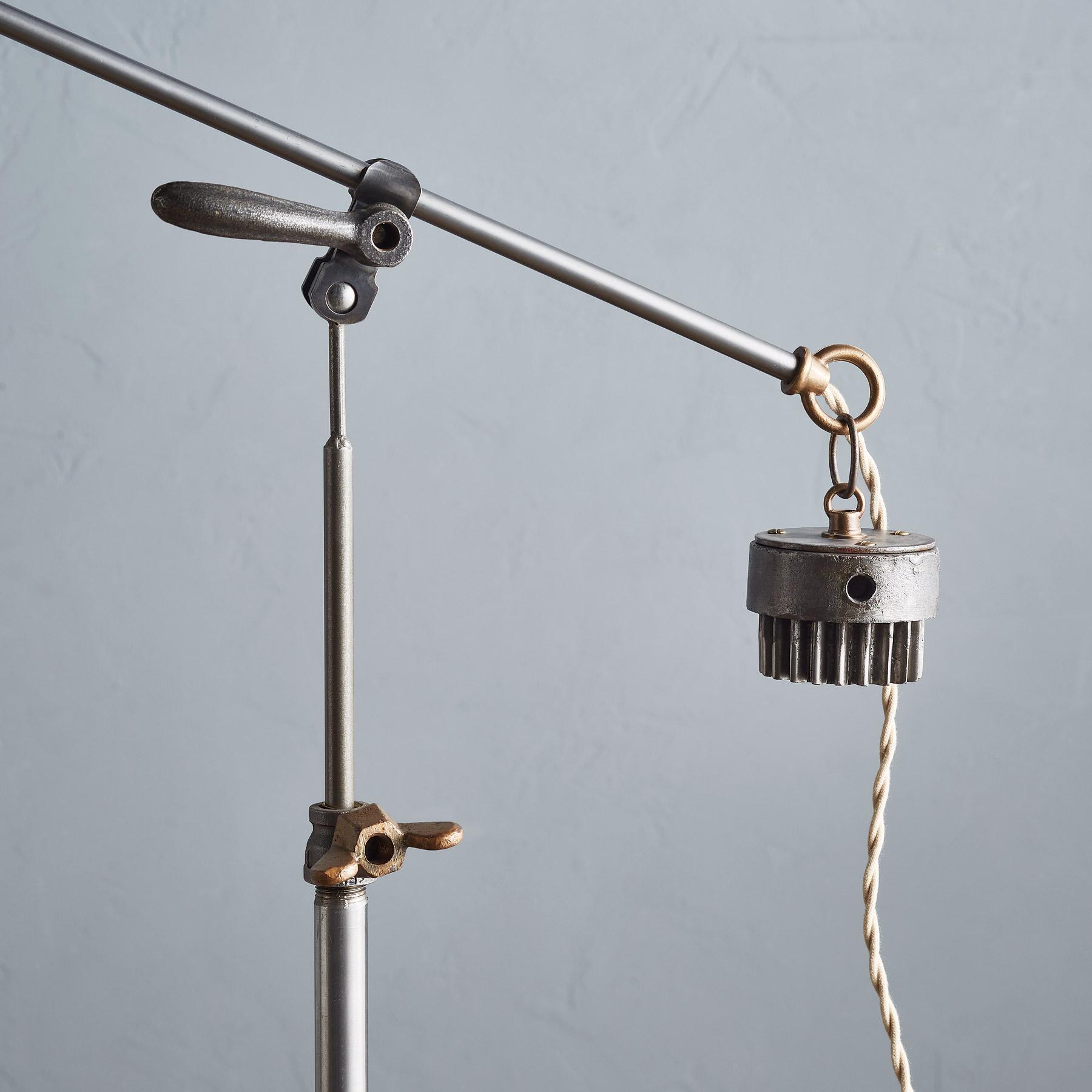 EASTER CREEK FLOOR LAMP: View 3