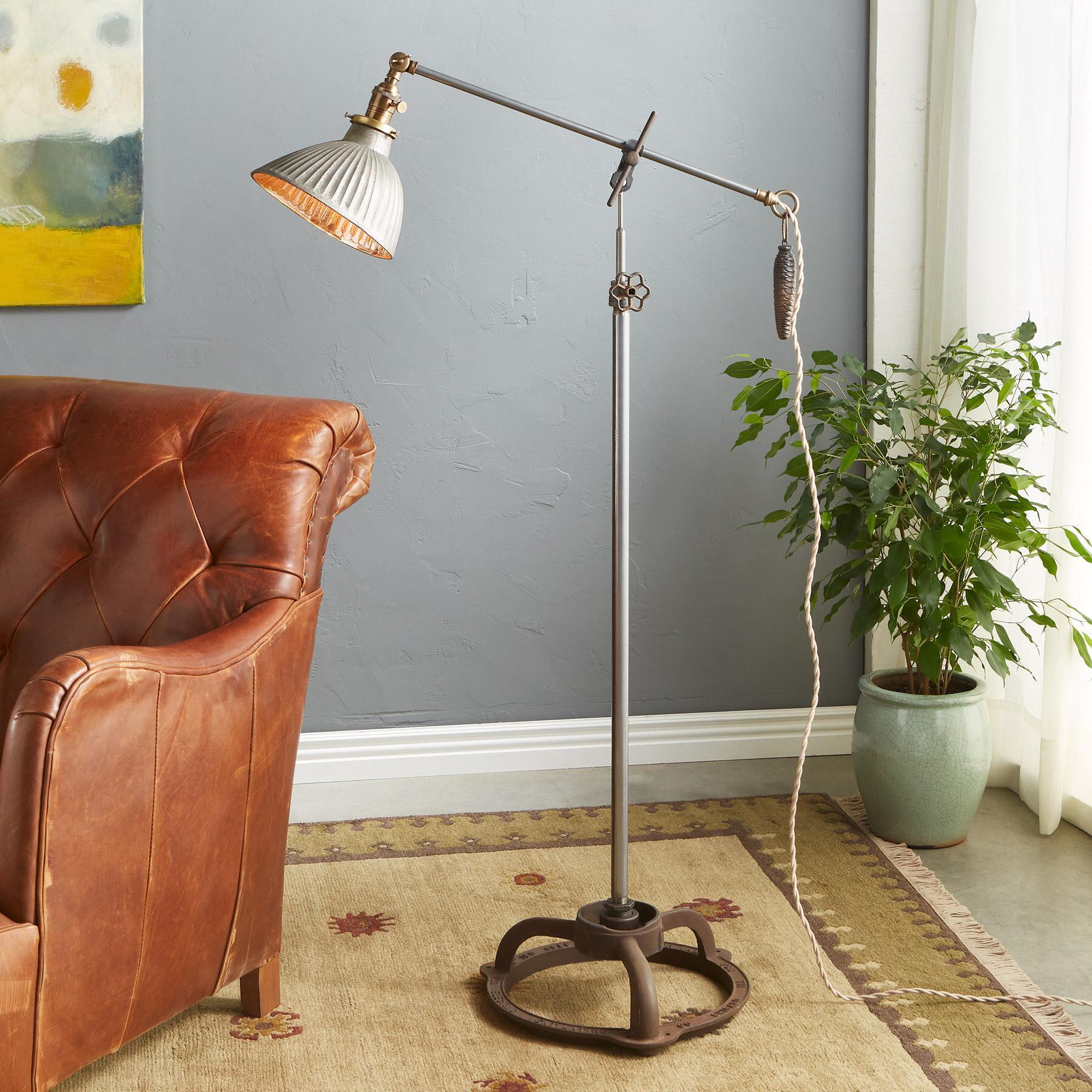 WOODY CREEK FLOOR LAMP: View 1