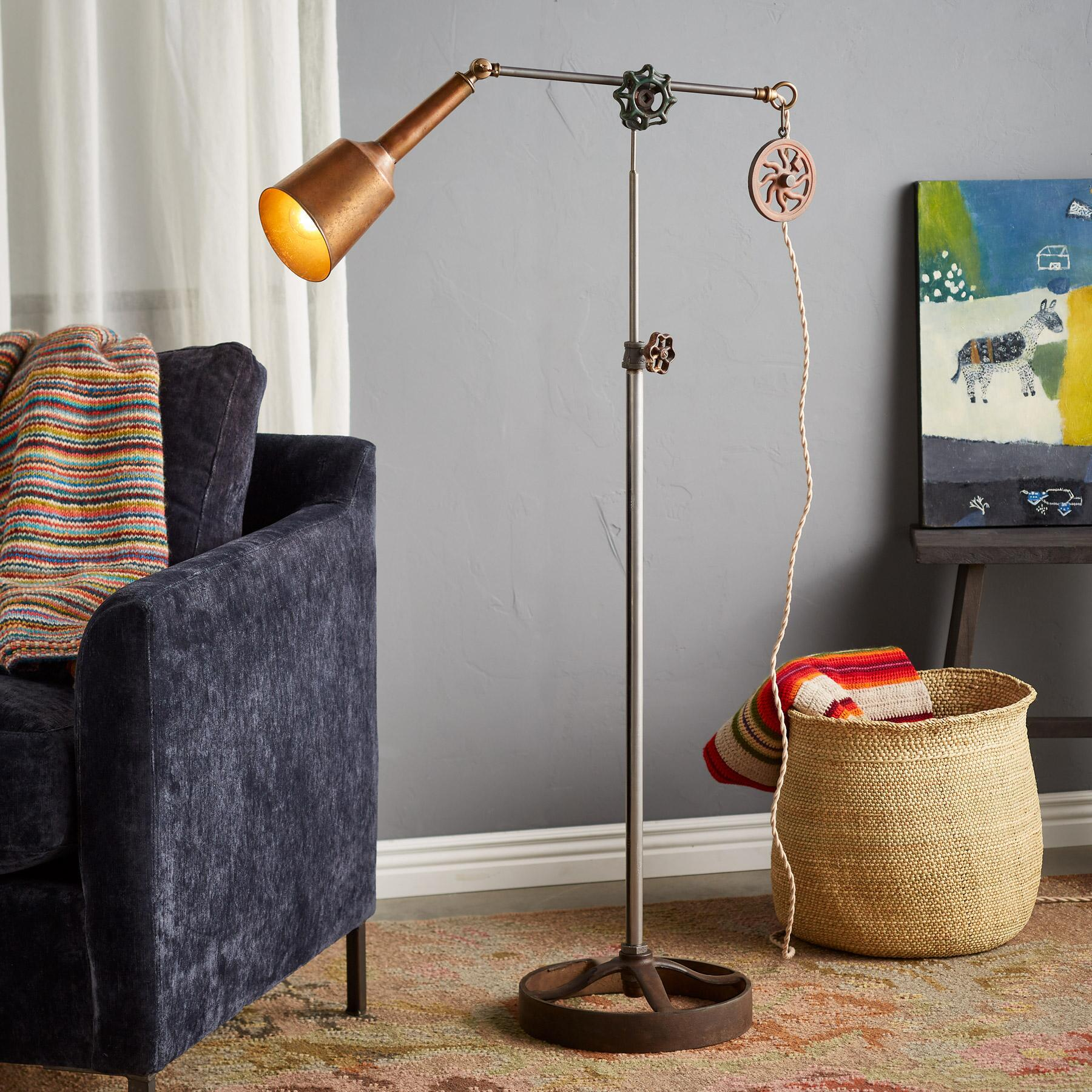 FAN CREEK FLOOR LAMP: View 1