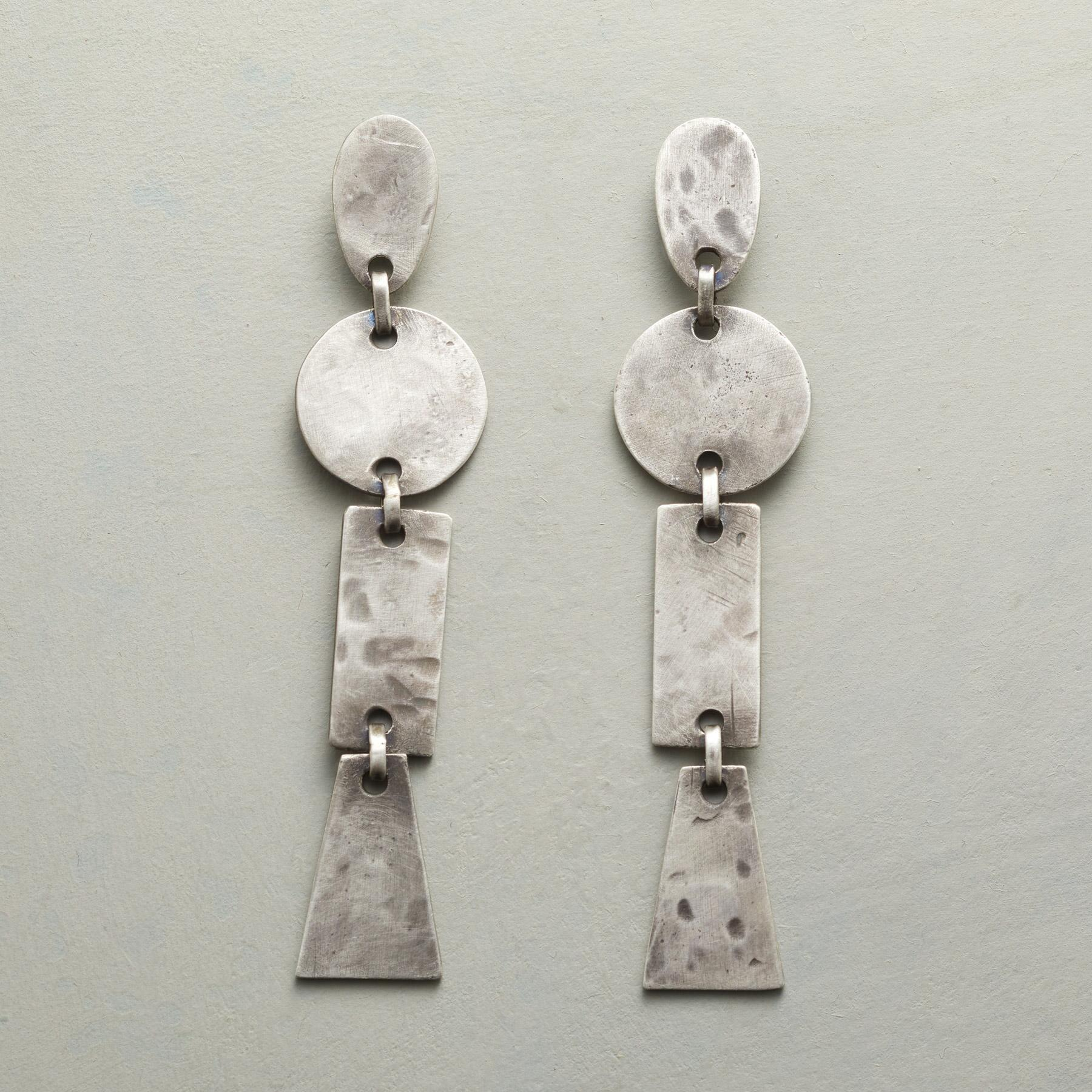 PIECES OF ART EARRINGS: View 1