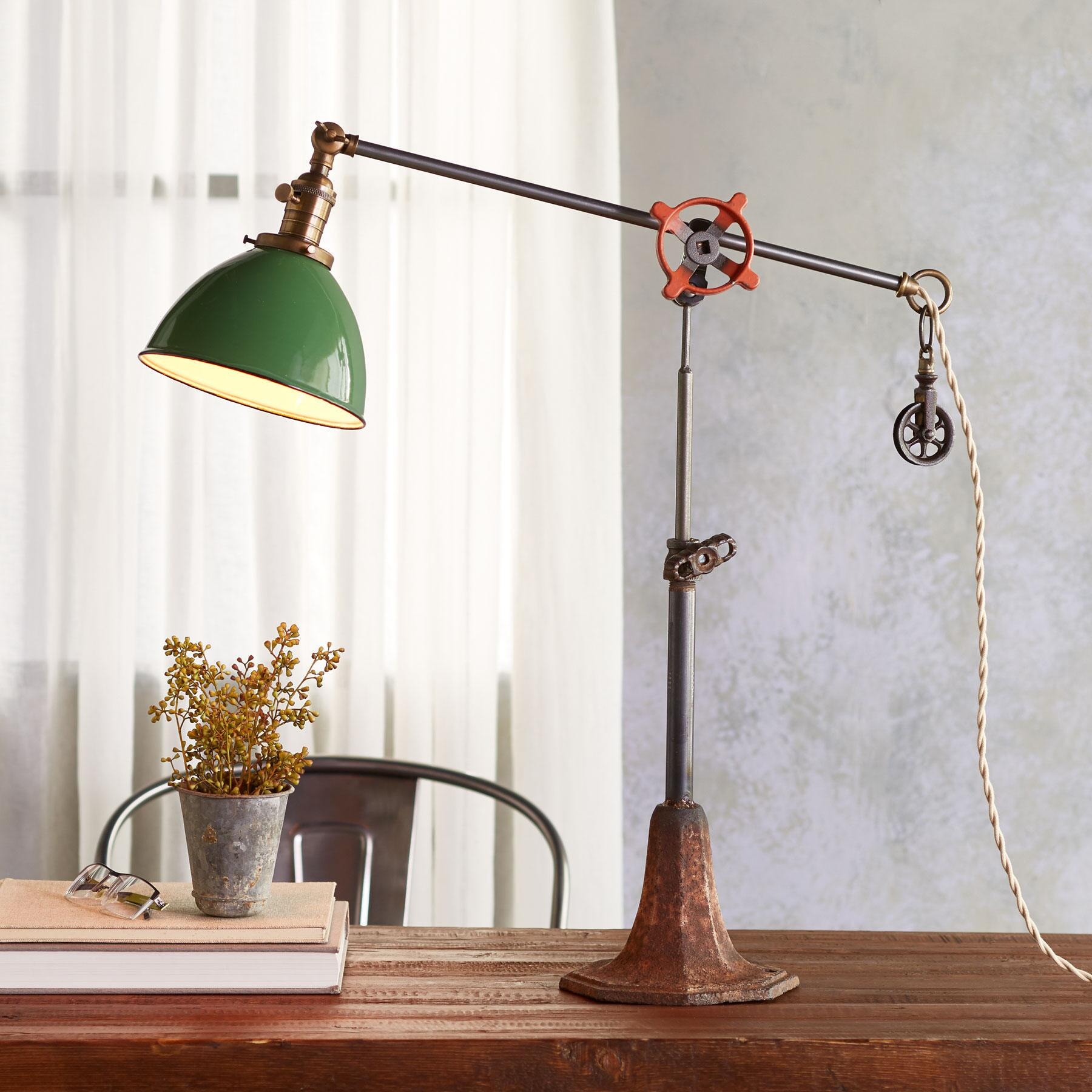 CLARKS FORK CREEK TABLE LAMP: View 1