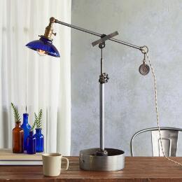 MILK RIVER TABLE LAMP