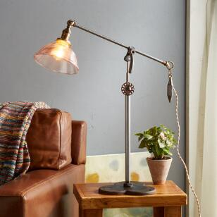 LITTLE POWDER TABLE LAMP