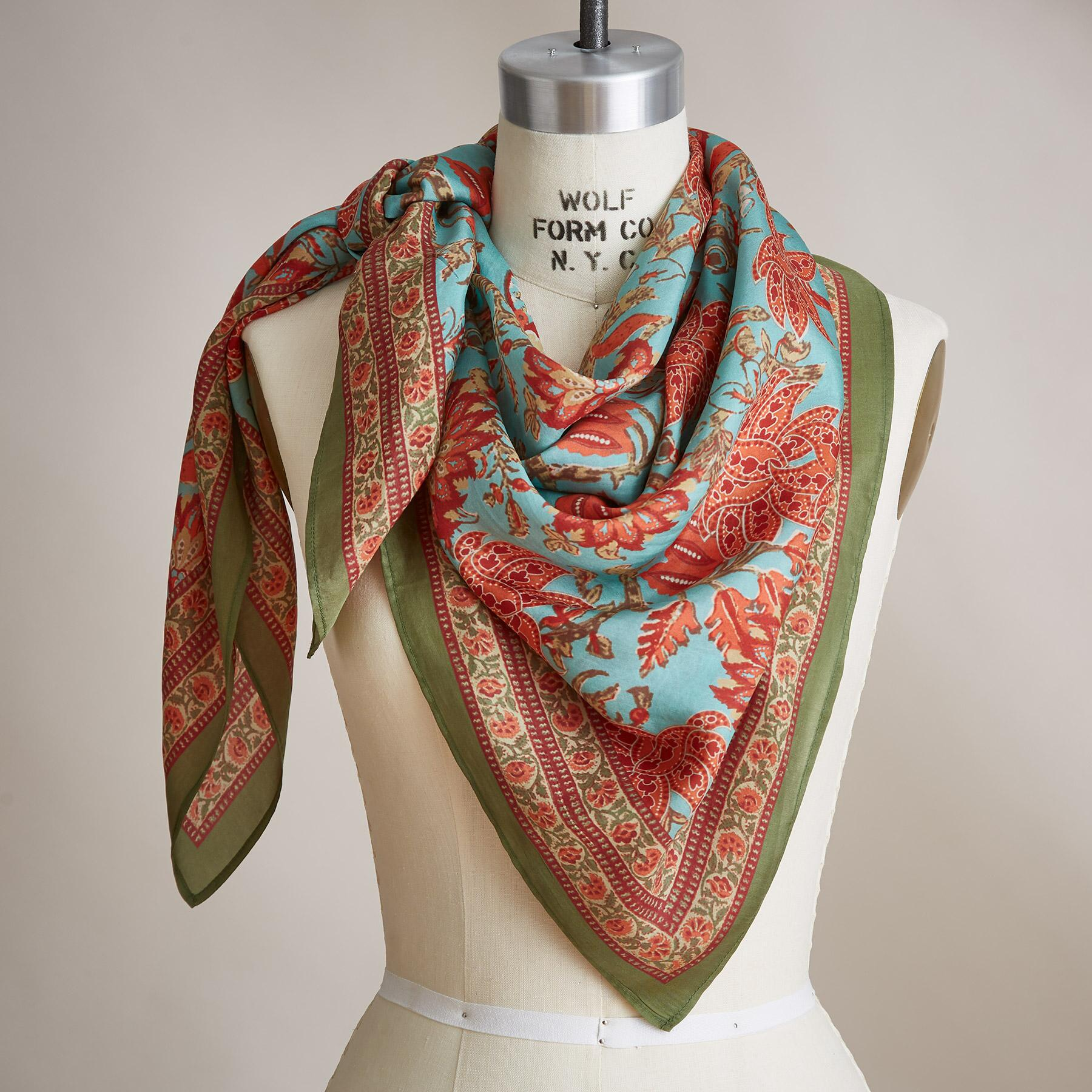 STORY BLOSSOM SCARF: View 1