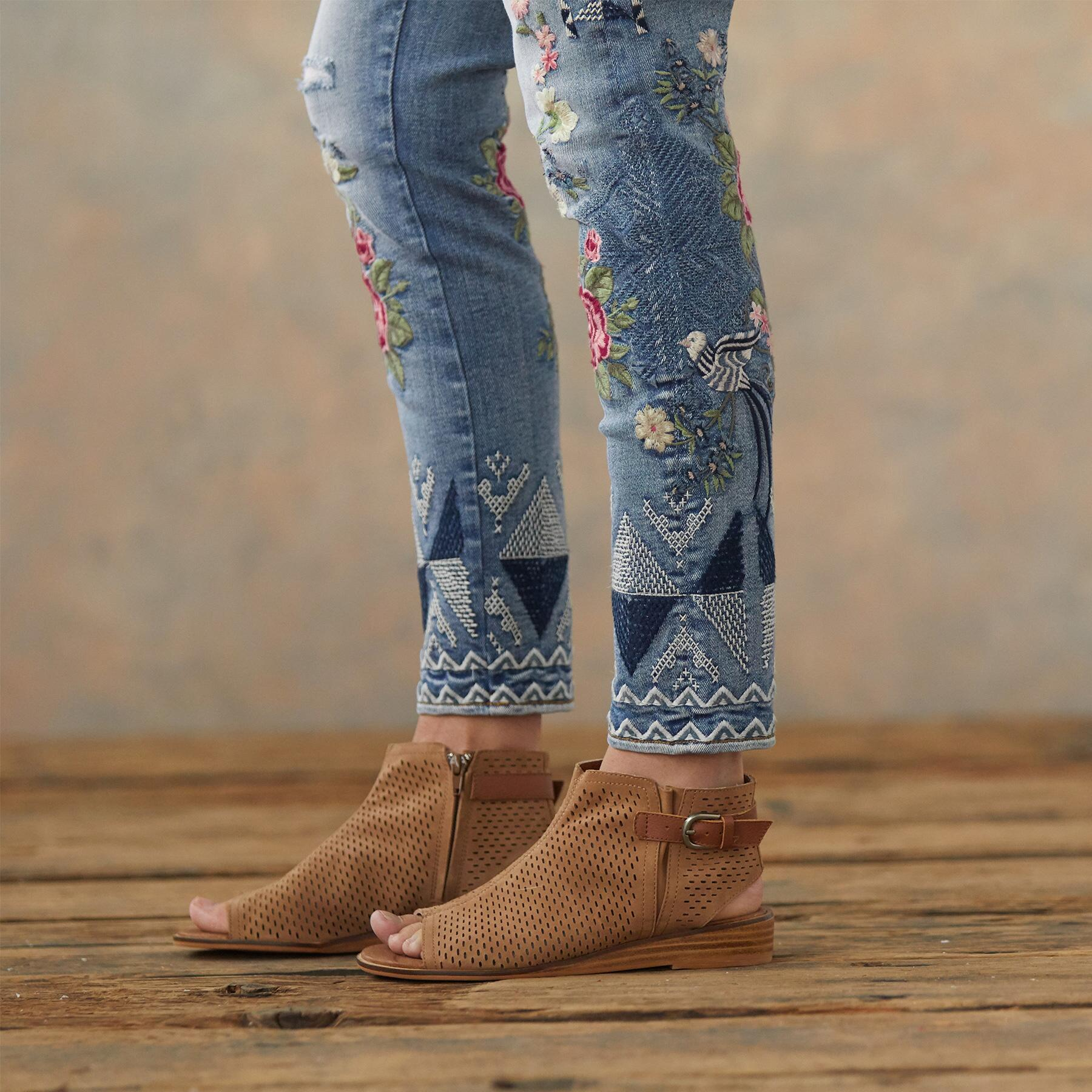 JACKIE FLORAL TRIBE JEANS: View 6