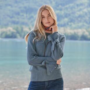 ARYKA POINTELLE SWEATER