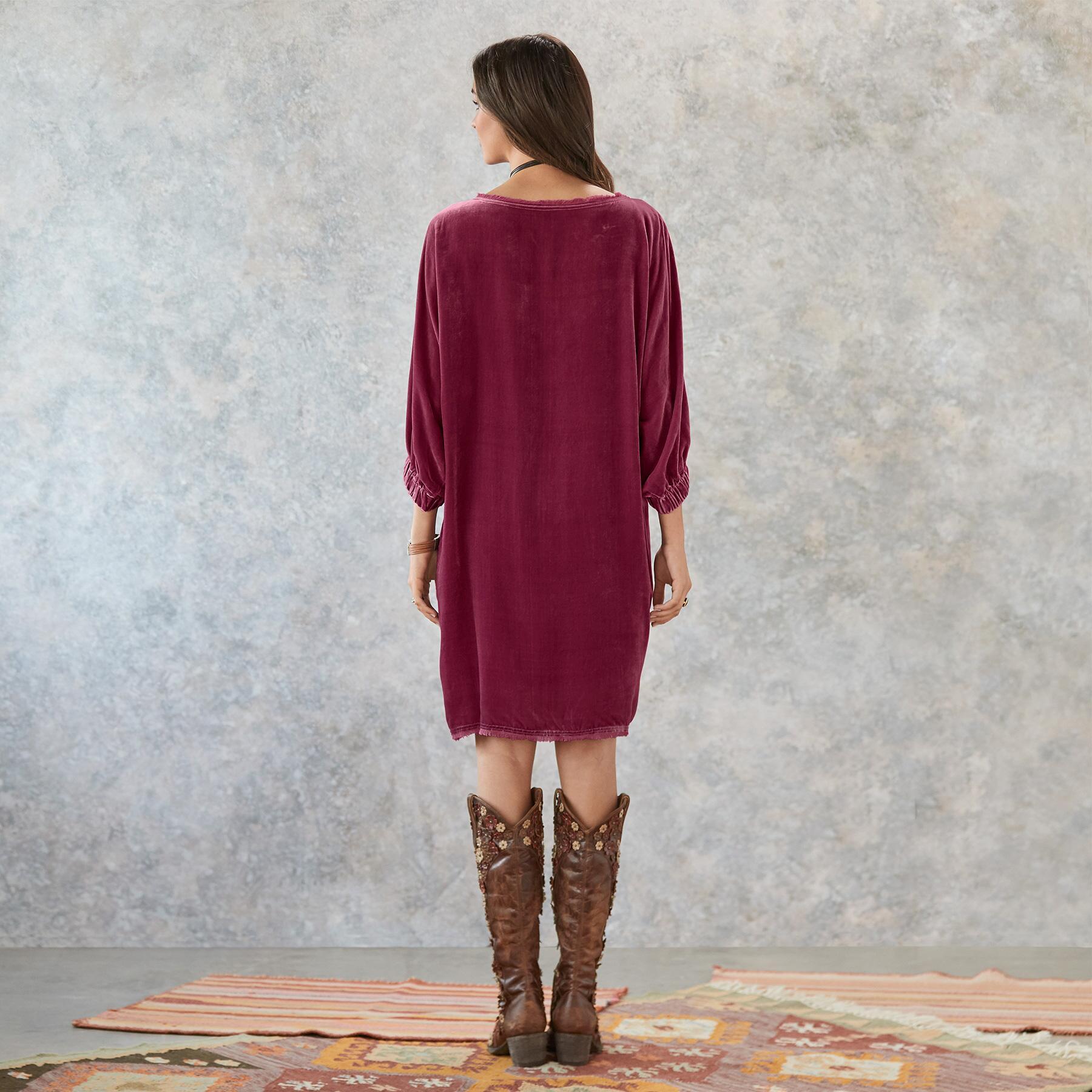 MIDNIGHT VELVET DRESS - PETITES: View 3