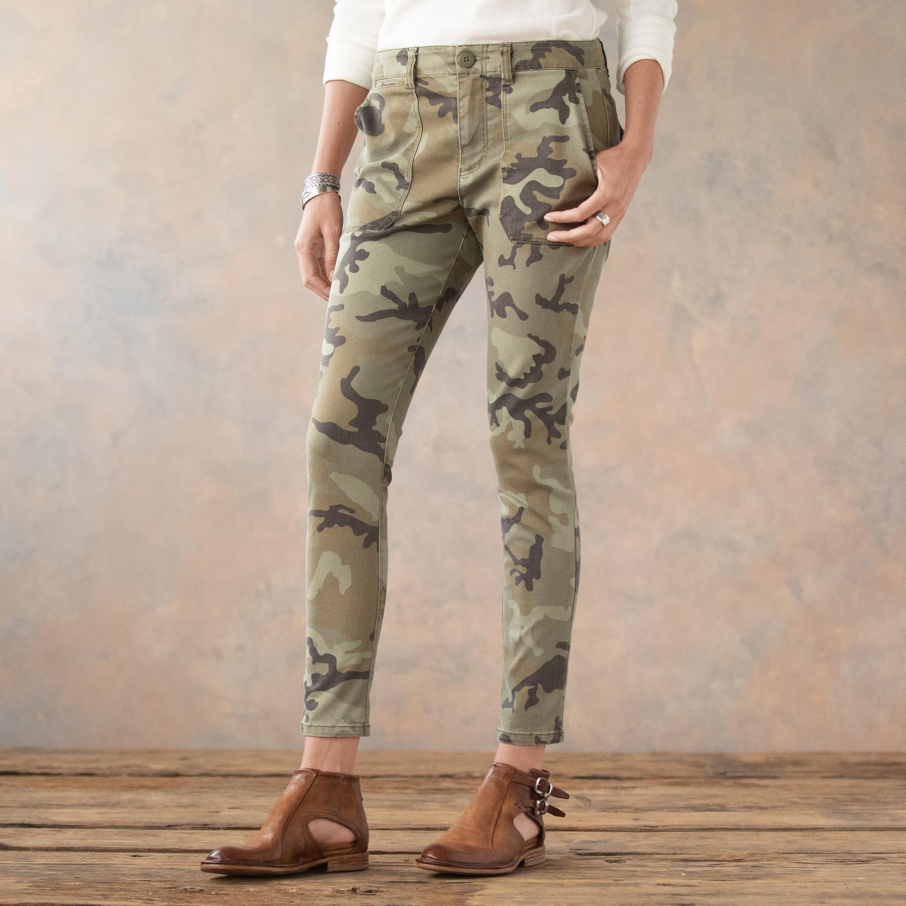 COOL IN CAMO SKINNY PANTS: View 2