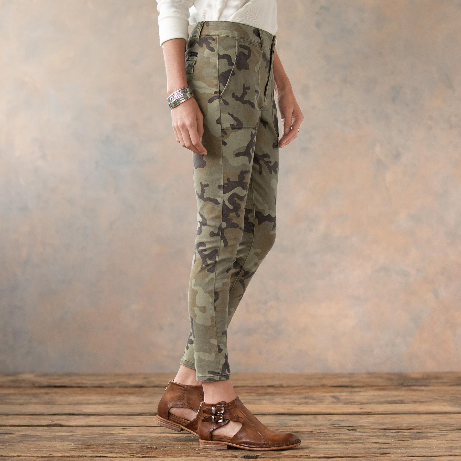COOL IN CAMO SKINNY PANTS: View 4