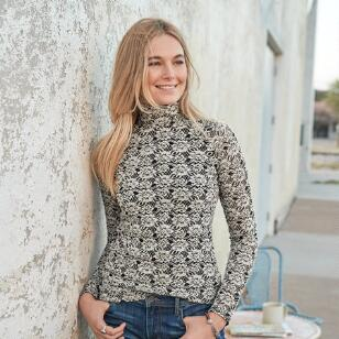 LACE BLOOMS TOP