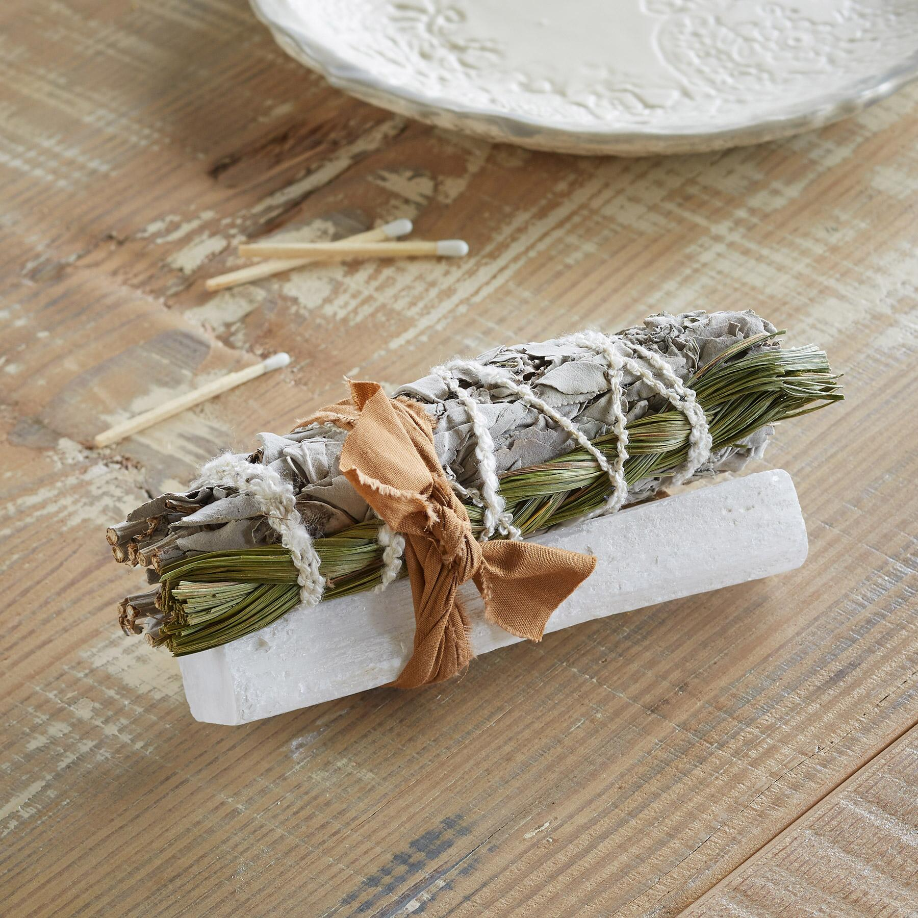 SWEET GRASS & SELENITE SMUDGE STICK: View 1