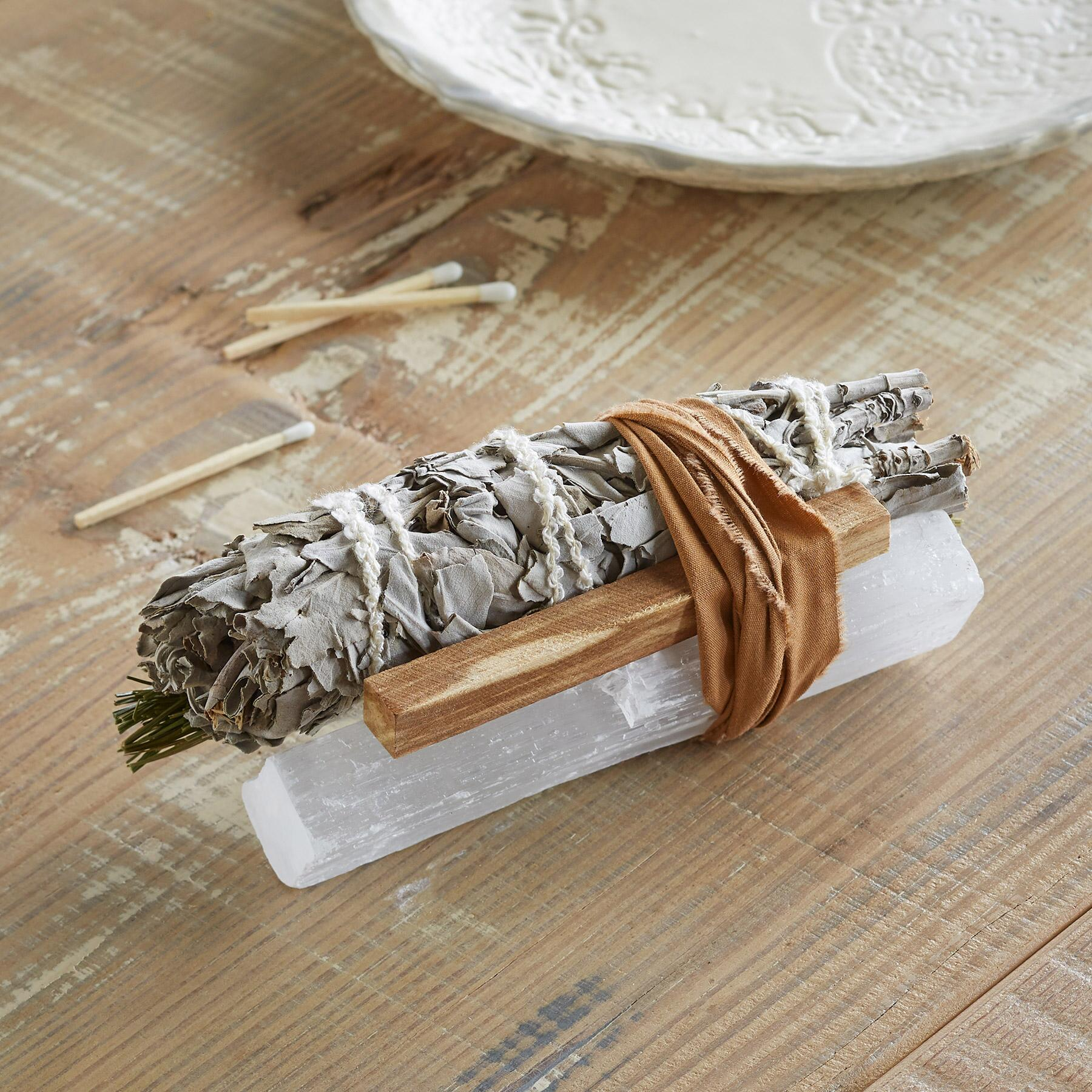 SWEET GRASS & SELENITE SMUDGE STICK: View 2