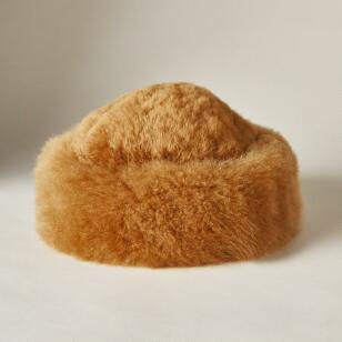 NADIYA HAT