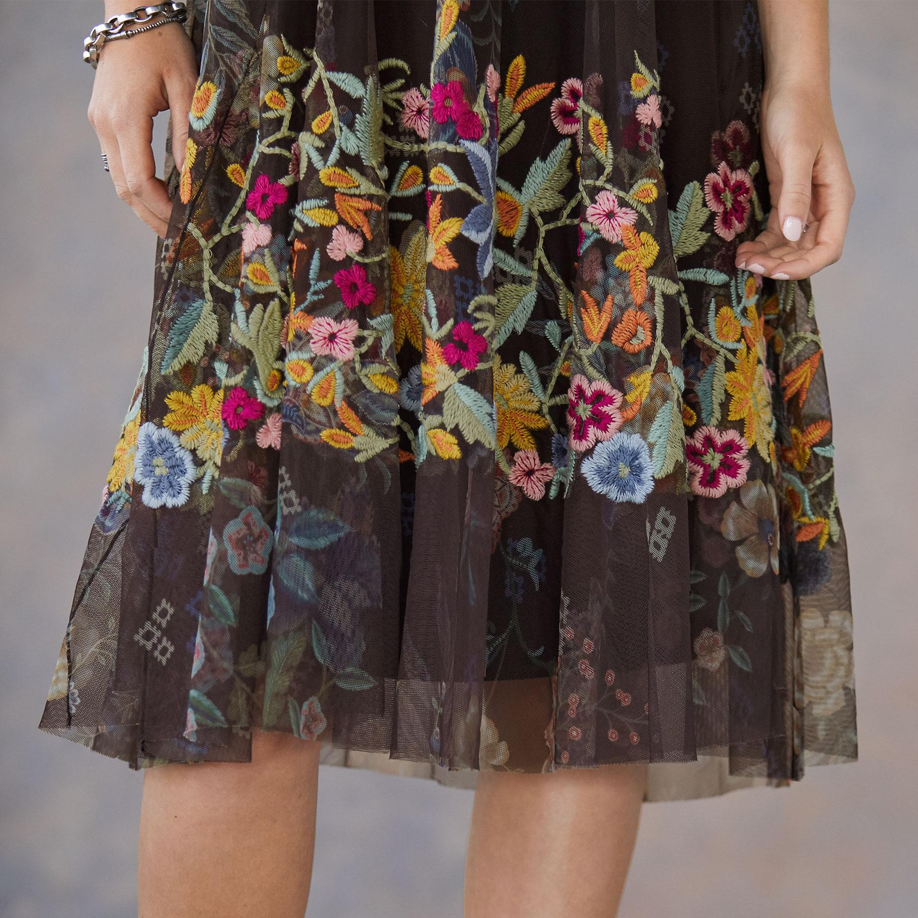 WILLOUGHBY DRESS: View 4