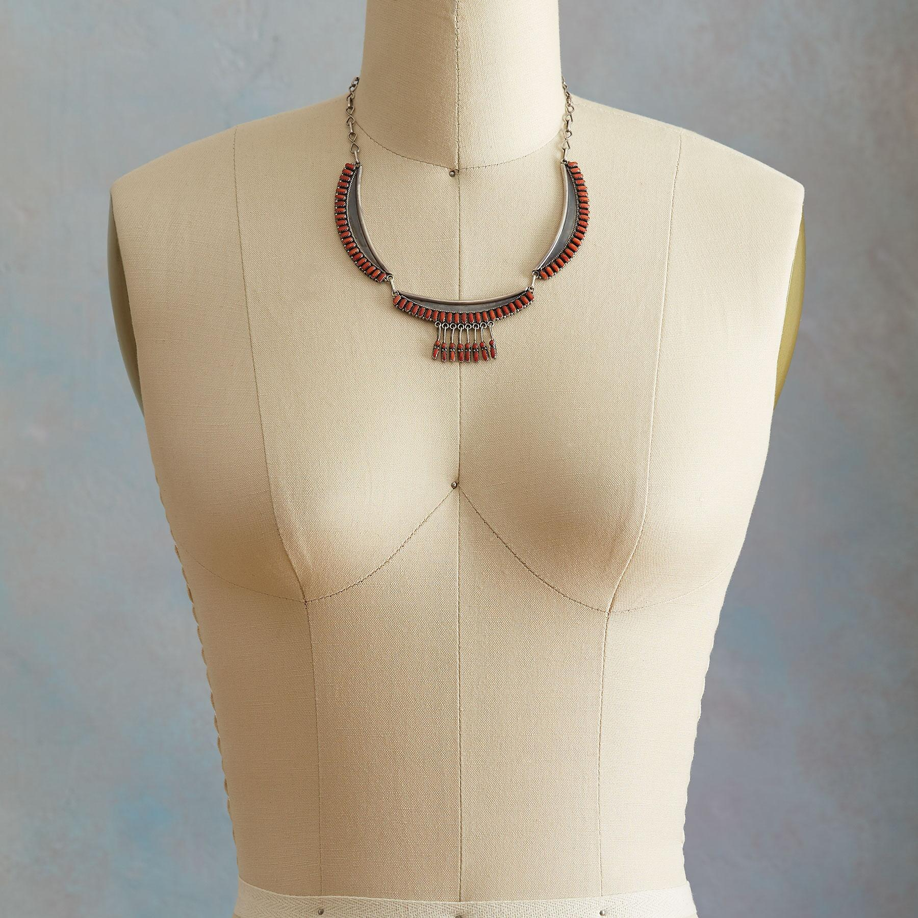 1950S ZUNI CORAL NECKLACE: View 3