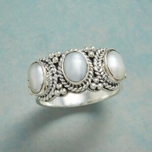 THREE OF PEARLS RING