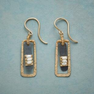 PEARL LONGING EARRINGS