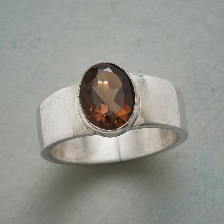 SIMPLY SMOKY RING