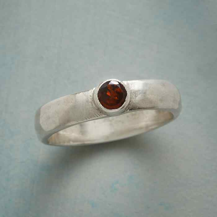 GARNET HIGHLIGHT RING