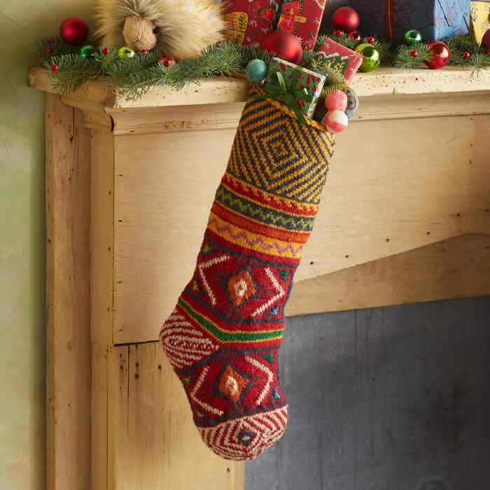 HEIRLOOM GEO FLAIR STOCKING