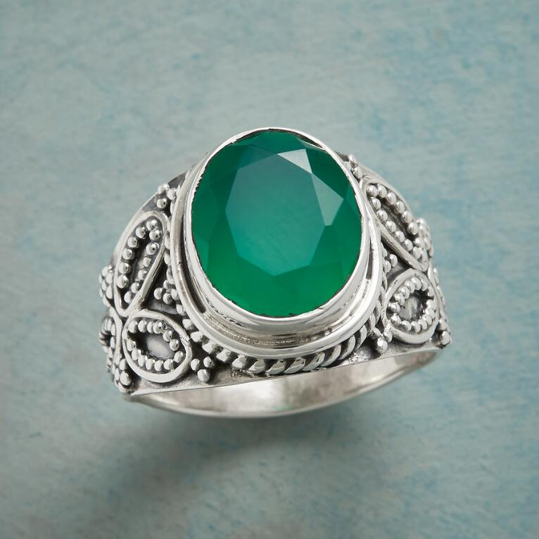 ROLLING IN CLOVER RING