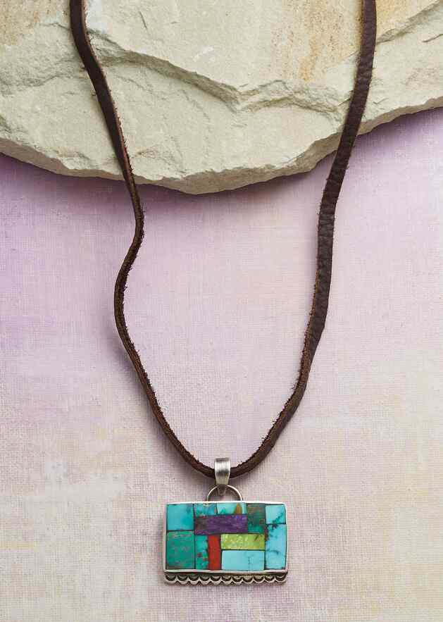 ART OF STONE NECKLACE
