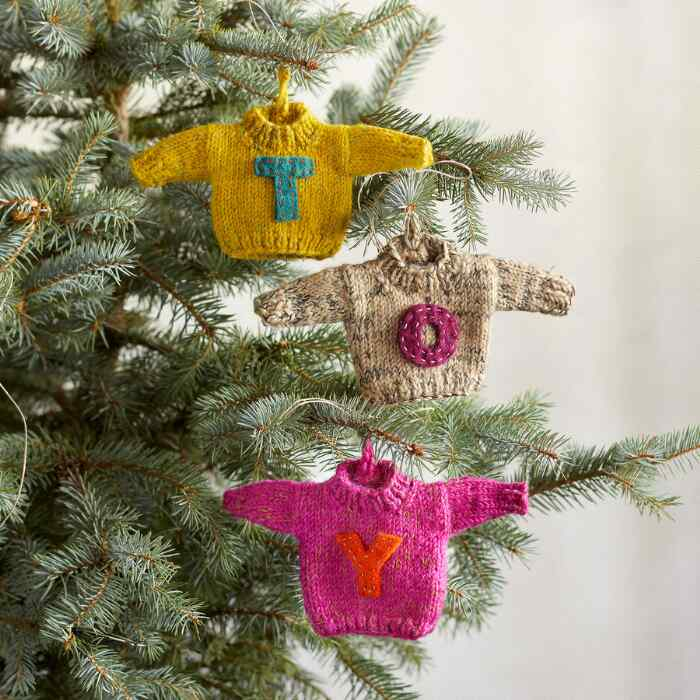 LETTER SWEATER ORNAMENTS