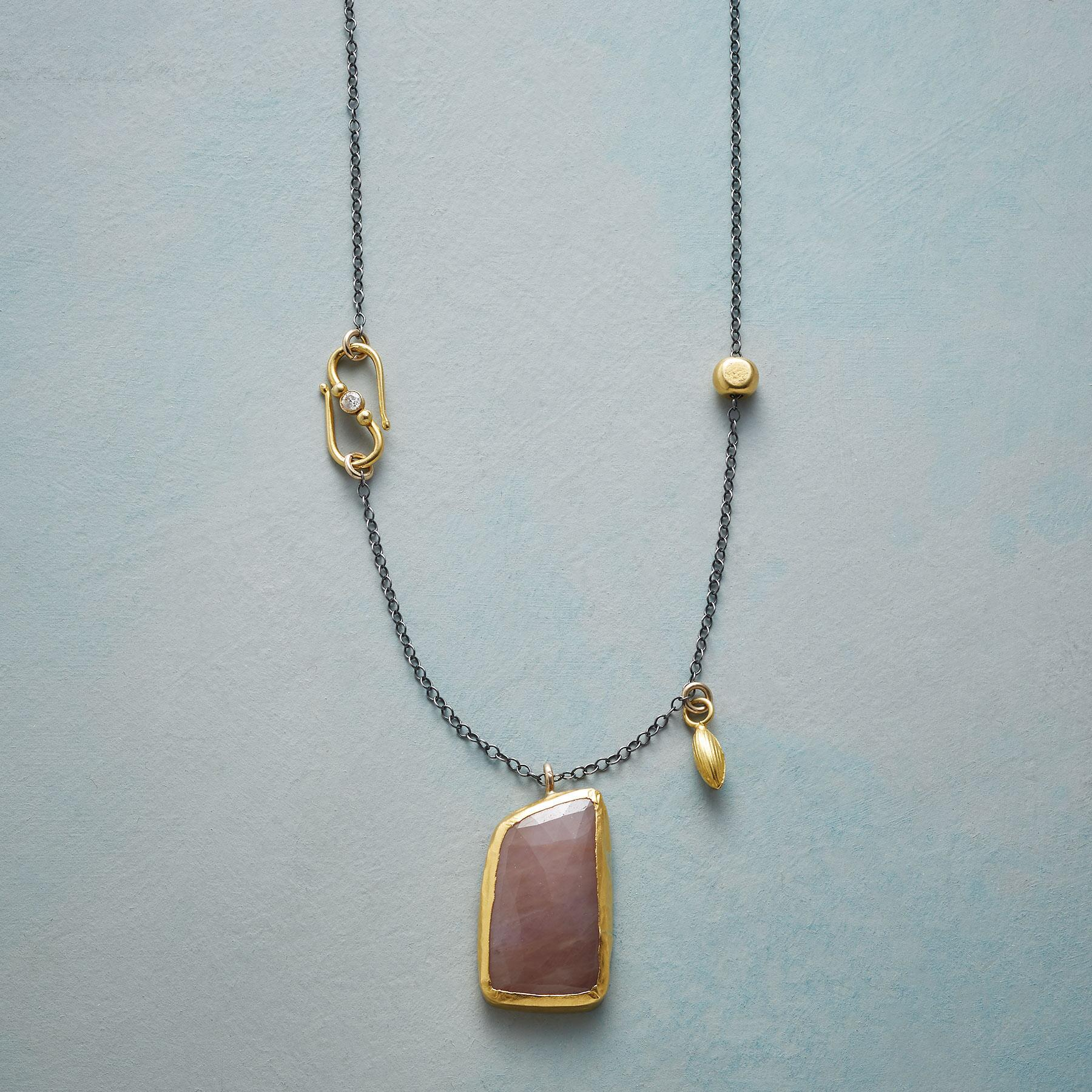 UNIQUE SAPPHIRE NECKLACE: View 1