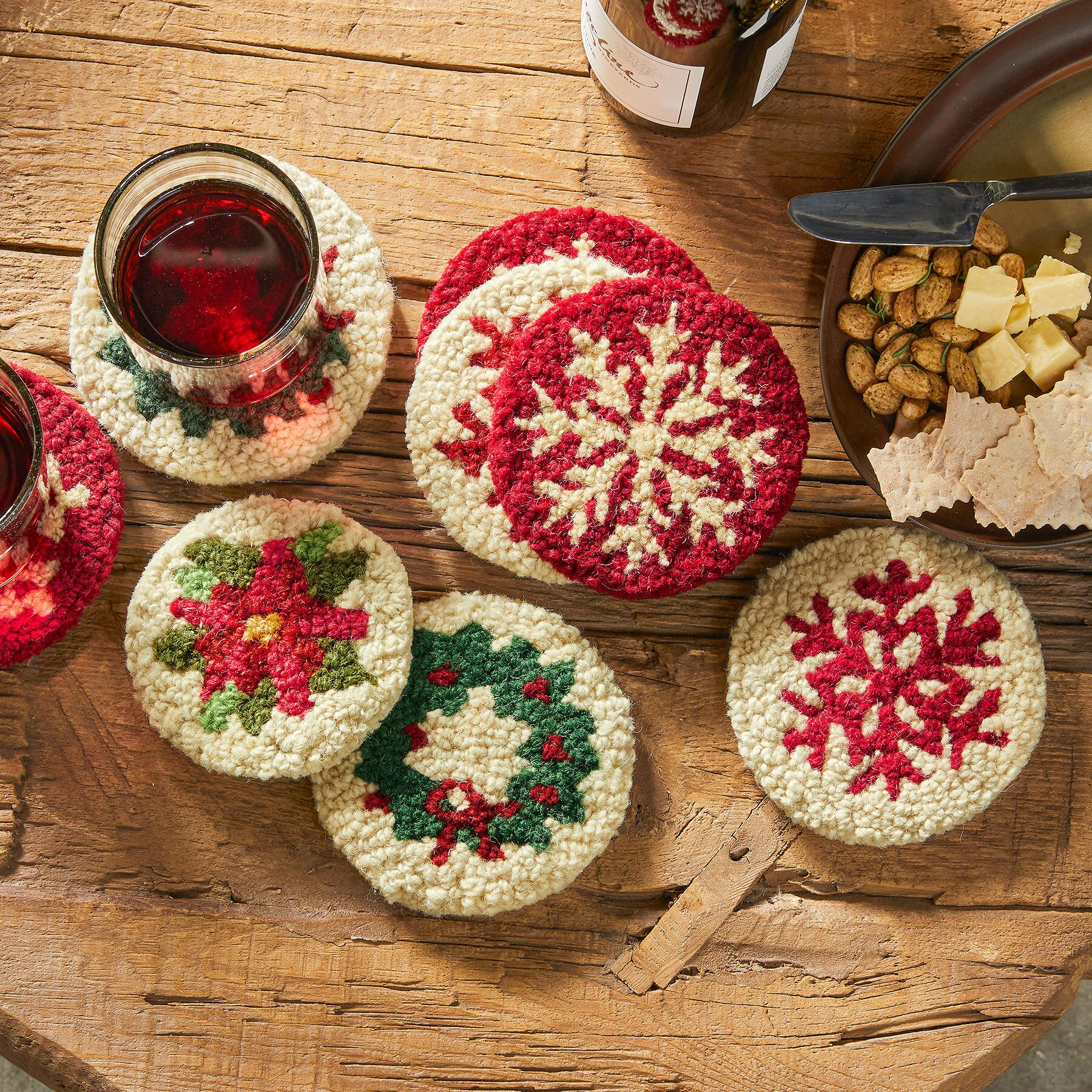 HOLIDAY WREATH COASTERS, SET OF 4: View 2