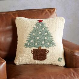 O CHRISTMAS TREE PILLOW