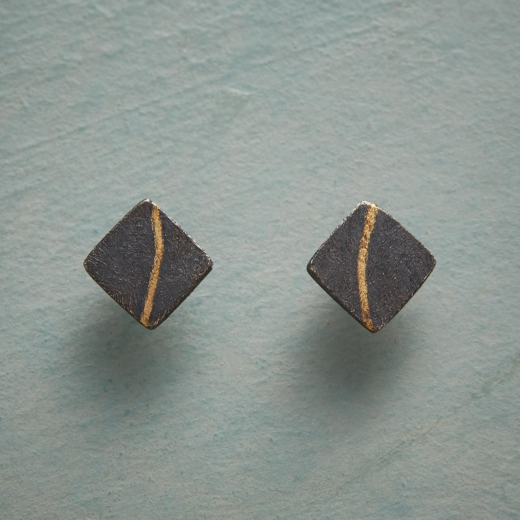 SUBTLE STRIKE EARRINGS: View 1