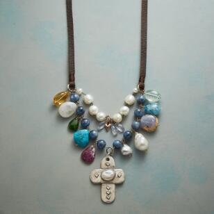 CASPIAN DAYDREAMS NECKLACE