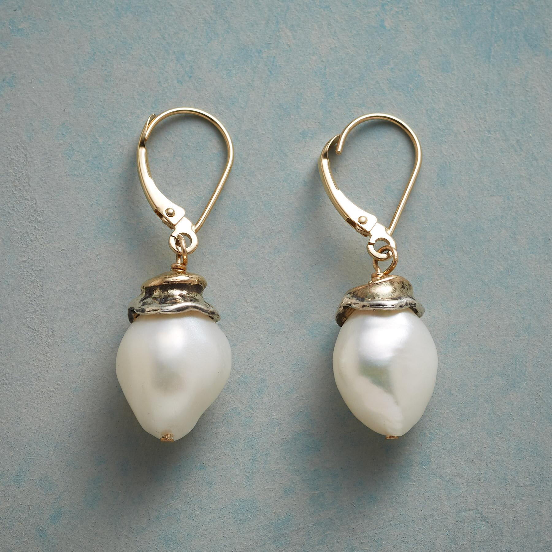 SWEET PEARL EARRINGS: View 1