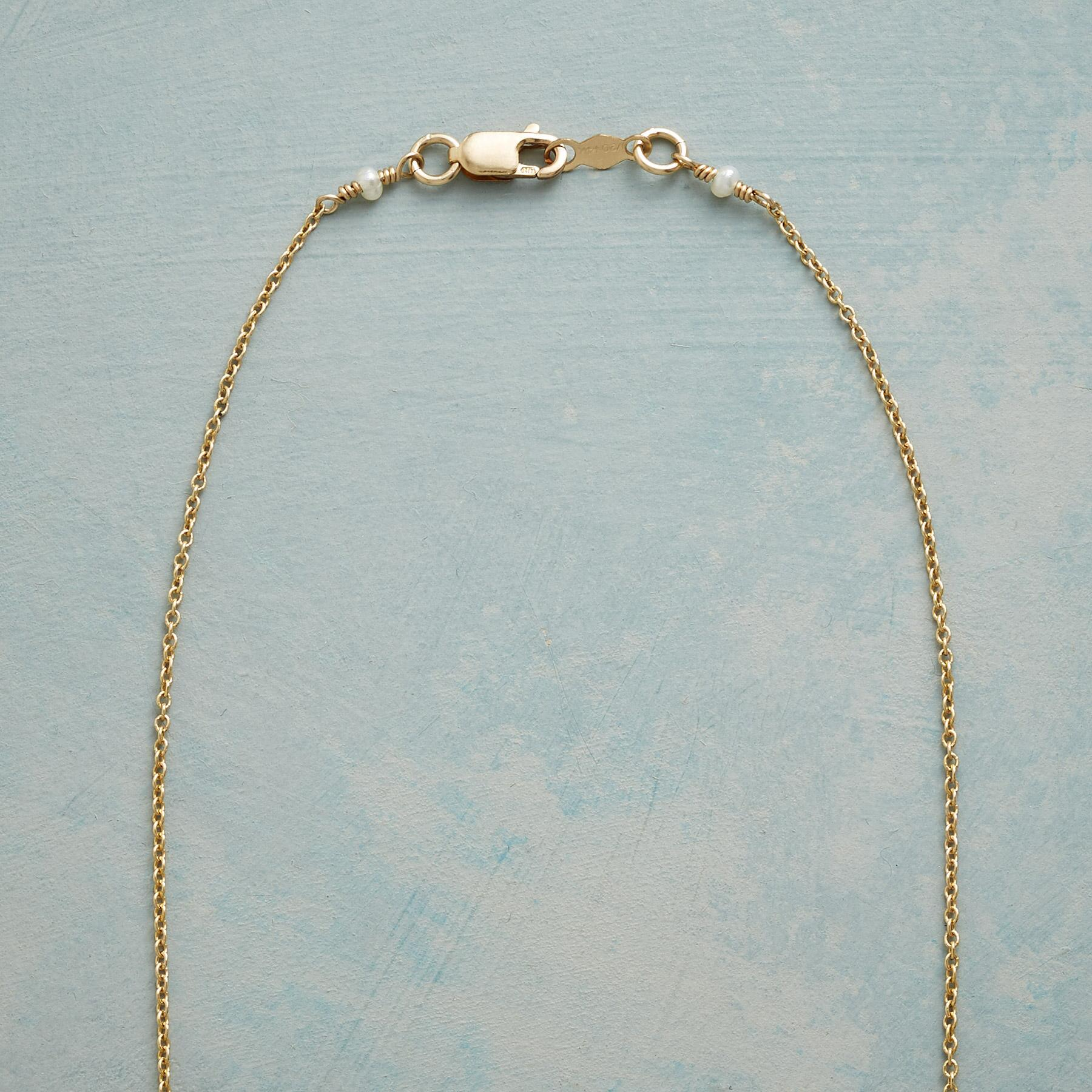 GIFT OF PEARL NECKLACE: View 3