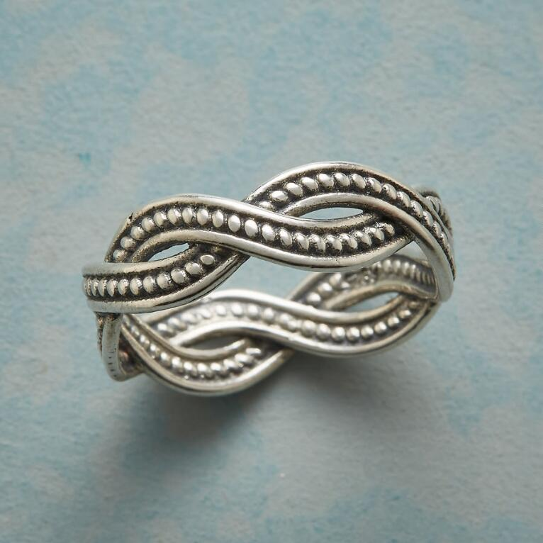 INSEPARABLE RING