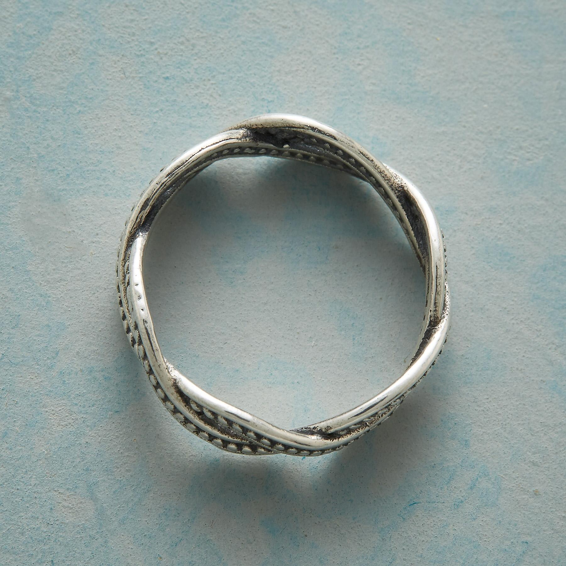 INSEPARABLE RING: View 2