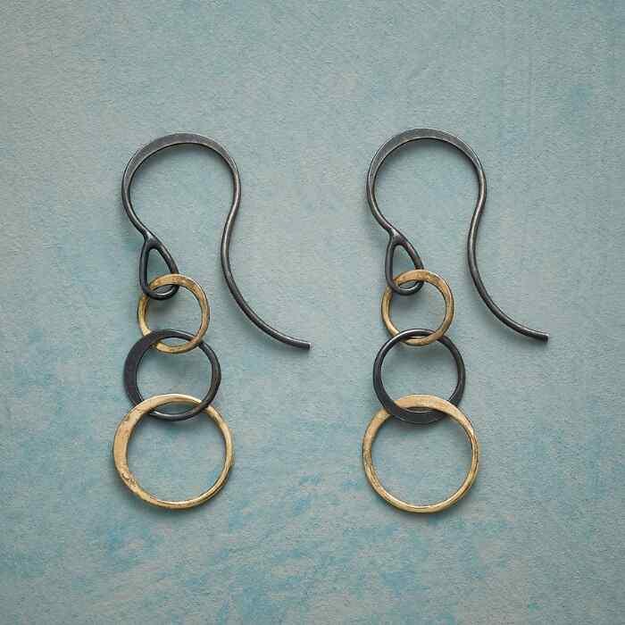 THREE RINGS EARRINGS