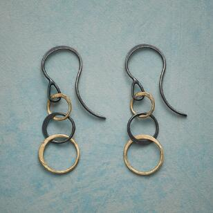 THREE RINGS EARRINGS