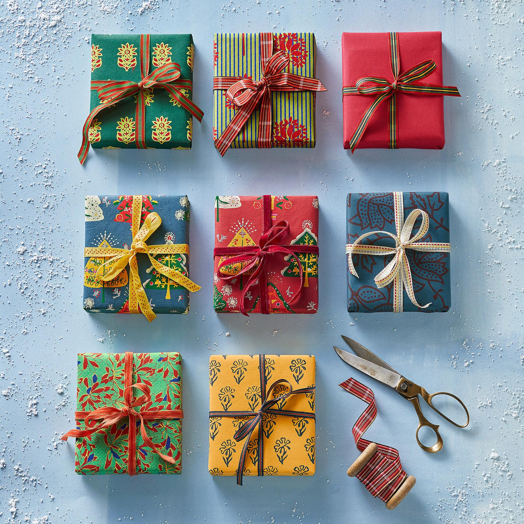 FESTIVE MIX WRAPPING PAPER, SET OF 8: View 2
