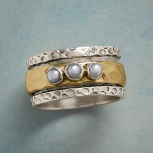 PEARLS OF THREE SPINNER RING