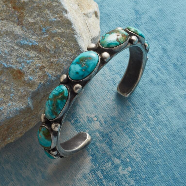 RIVER WAY TURQUOISE CUFF