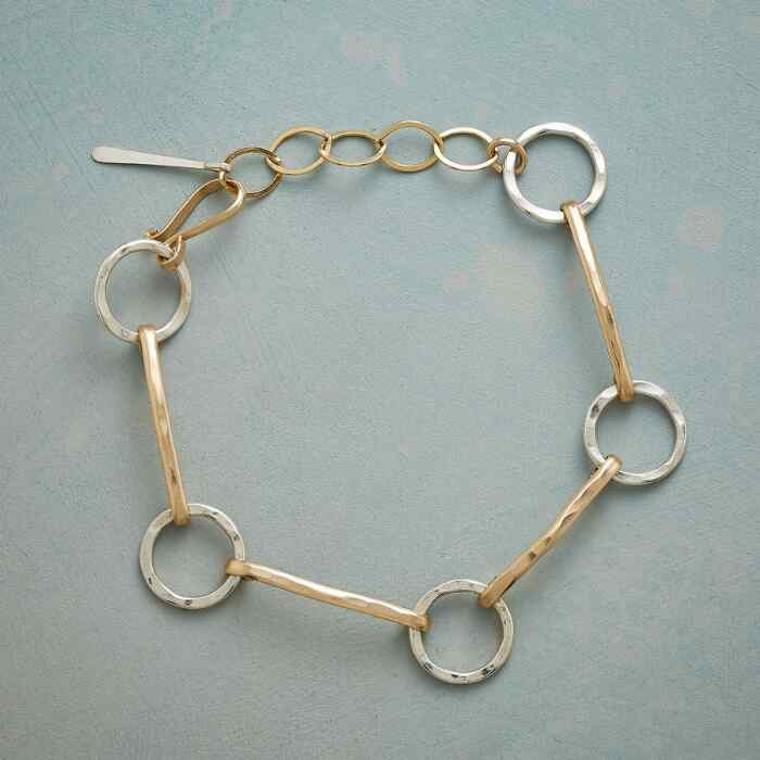 LINKS AND RINGS BRACELET