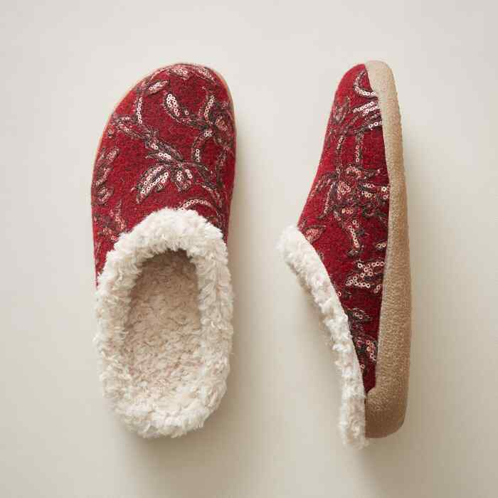 WINTER FOREST SLIPPERS
