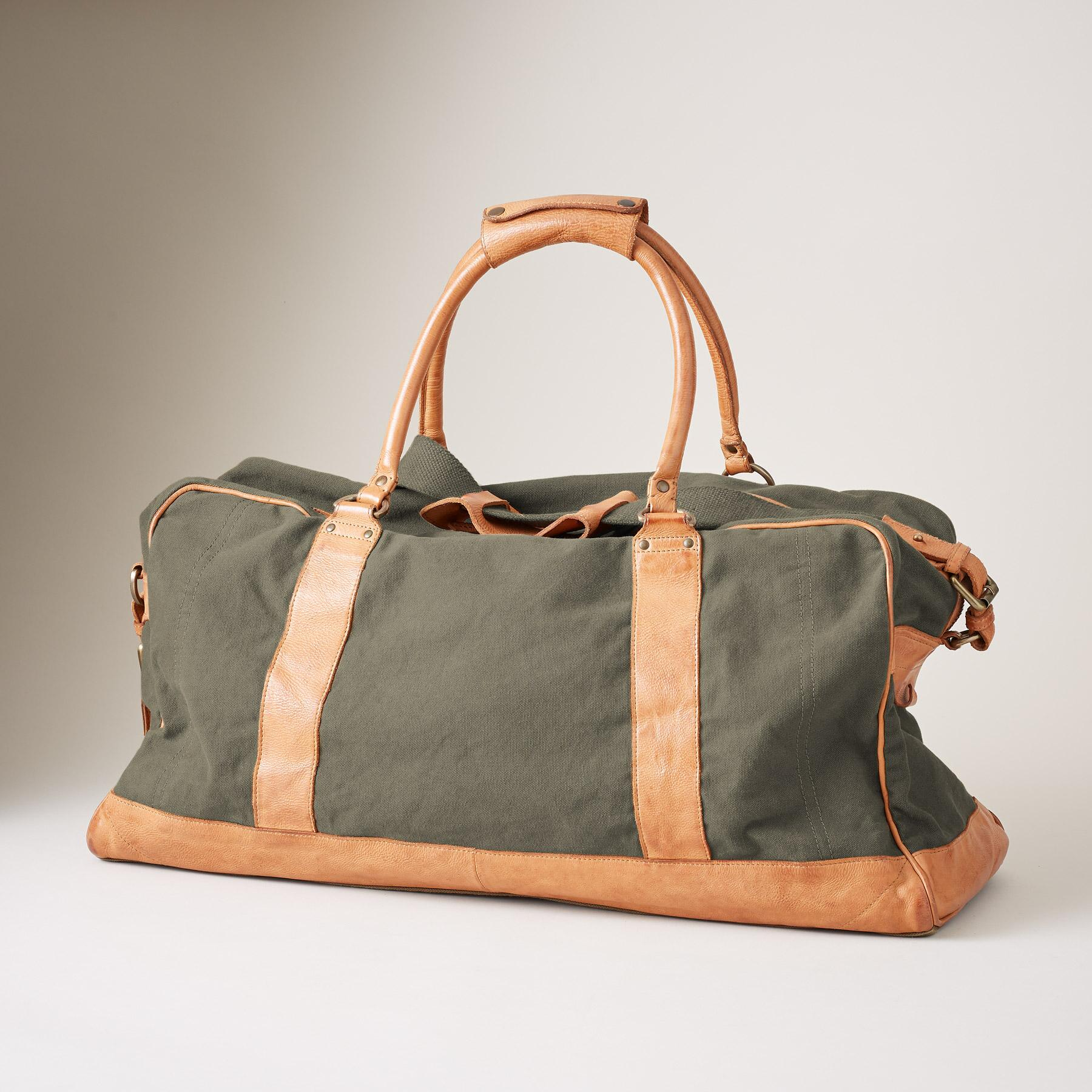 THE TRAVELER'S DUFFEL BAG: View 2