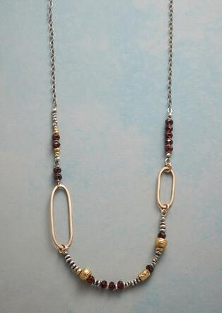 ASYMMETRICAL OVALS NECKLACE